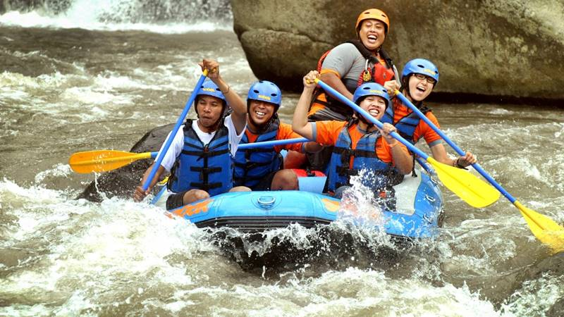 Try Water Rafting in Ubud, Bali 2