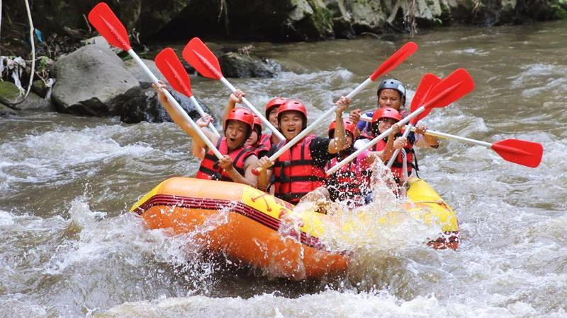 Pump Up Your Adventurous Spirits in Ayung River Rafting Bali 1